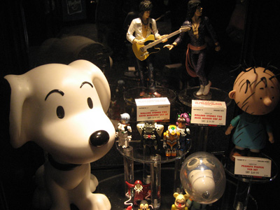 New York Comic Con: Toys and Collectables - Retro Snoopy and other items