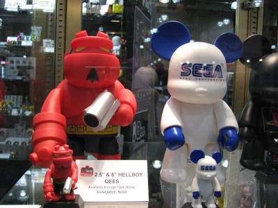 Toy2R: Toy Fair 2009 - 2.5 inch and 8 inch Hellboy Qees and a Sega Qee