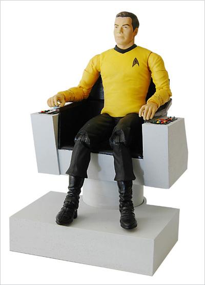 Star Trek Deluxe Kirk & Electronic Command Chair