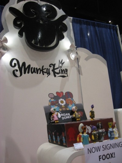 FOOX signing at Munky King booth on Thursday at beginning of SDCC, ORGAN DONORS.
