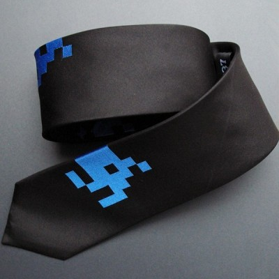 Space Invaders tie 1