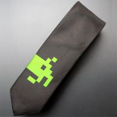 Space Invaders tie 2
