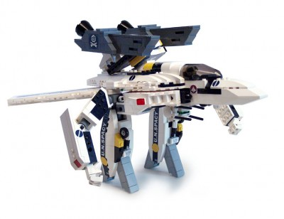 Macross Valkyrie VF-1S made out of Lego by baronsat