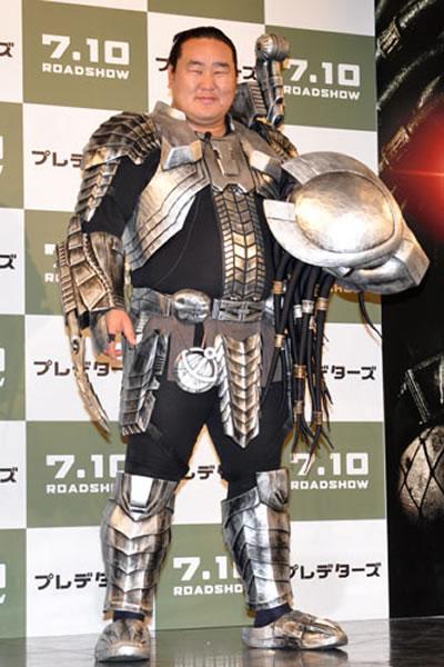 Sumo predator cosplay