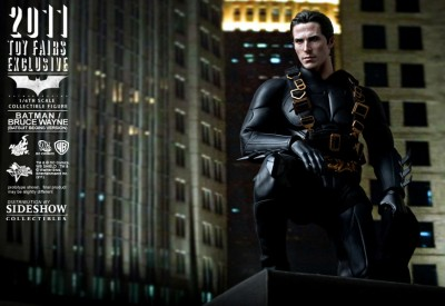 Hot Toys Bruce Wayne in Batsuit 2