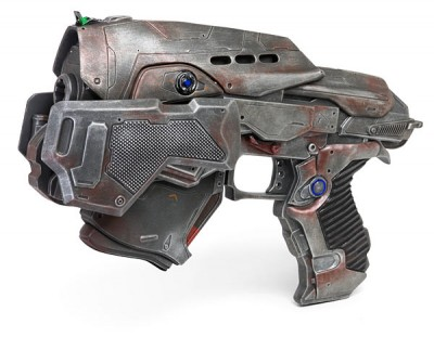 Gears of War 3 Pistol Replica 1