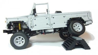 land rover defender 110 lego 03