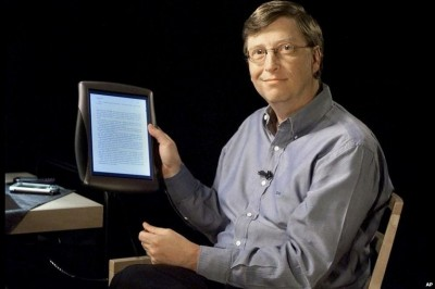 Bill Gates Introduced the Microsoft Tablet in 2002